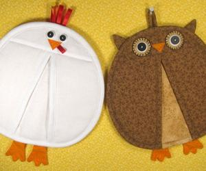 12 Handy Pot Holders with Cute Designs