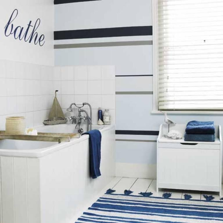 beach themed striped bathroom - Beach Style Bathroom