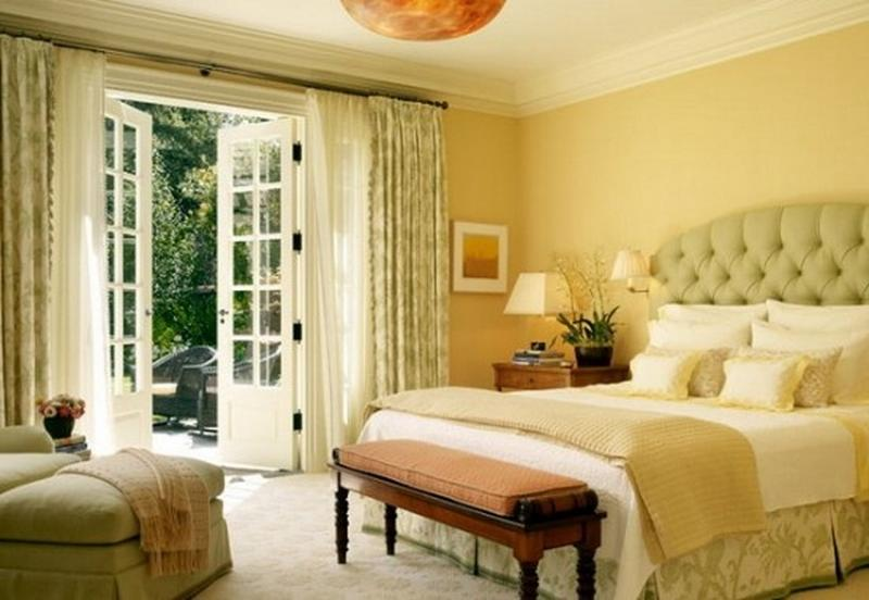 15 pleasant yellow bedroom design ideas rilane for Bright yellow bedroom ideas