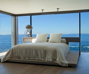 15 Outstanding Bedrooms With Glass Walls