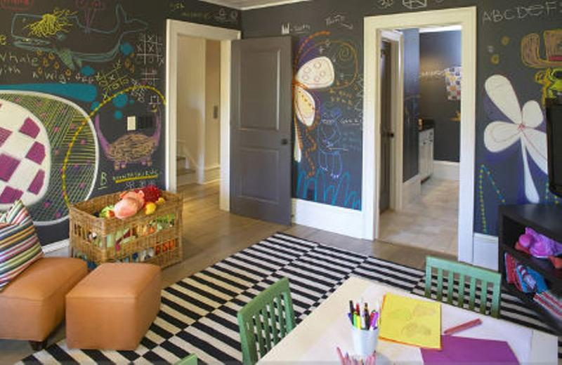 Amazing Kids Bedroom With Chalkboard Wall