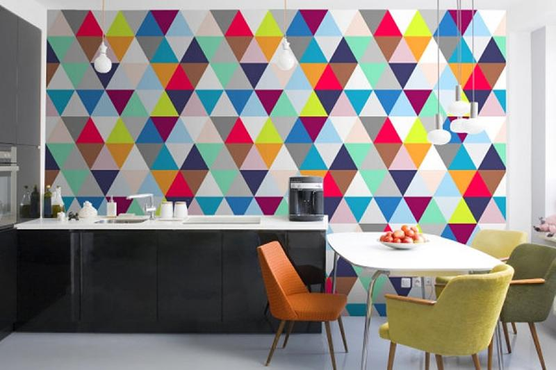 15 modern kitchen designs with geometric wallpapers rilane for Modern kitchen wallpaper ideas