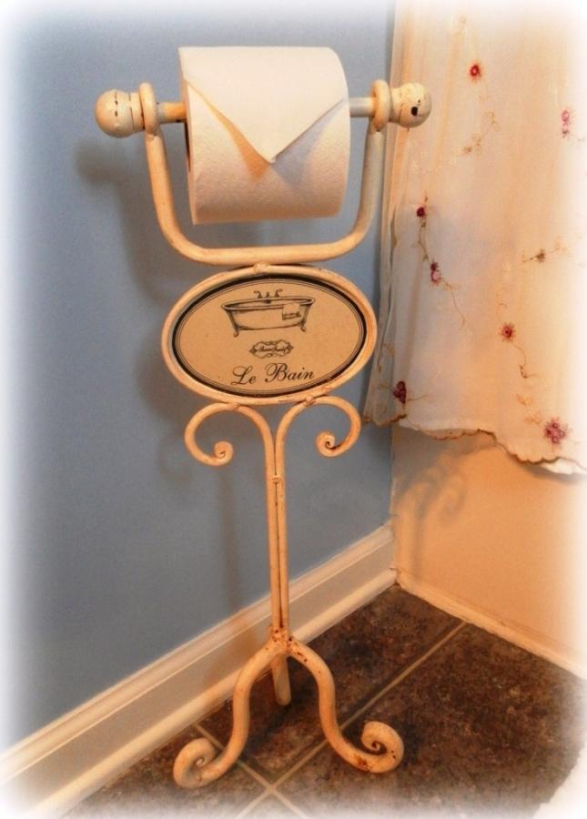 15 toilet paper holders for the bathroom rilane for Toilette shabby chic