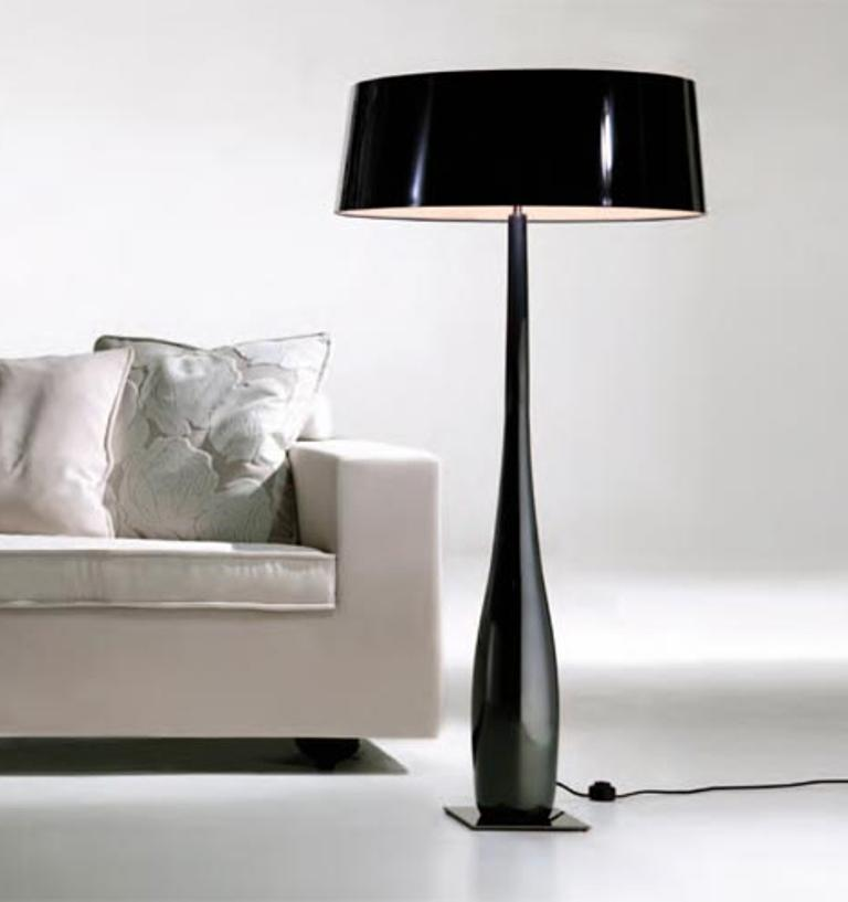10 dashingly cool living room floor lamps rilane for Living room floor lamps
