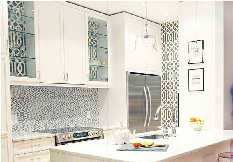 Amazing Classy Kitchen With Geometric Wallpaper