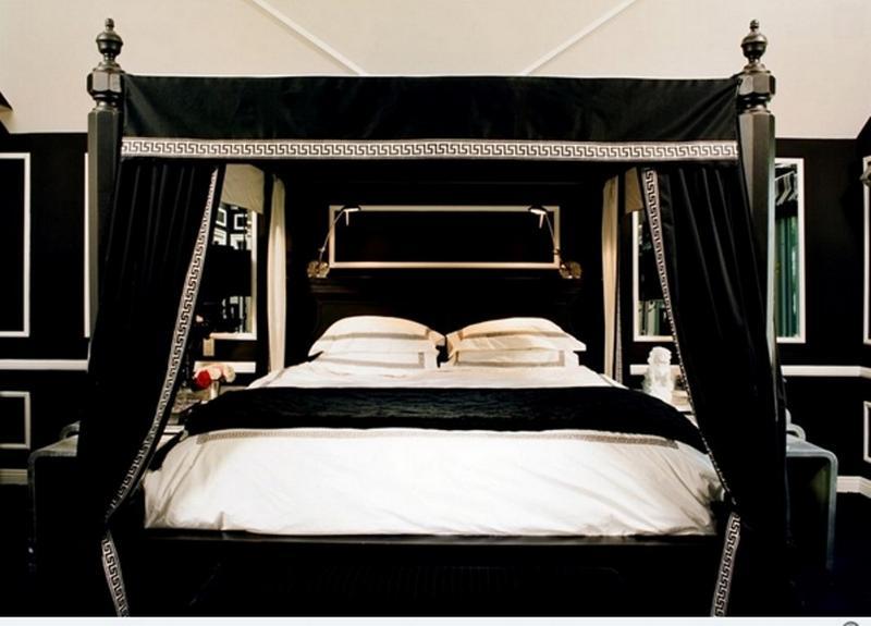 15 Enchanting Gothic Bedroom Design Ideas - Rilane