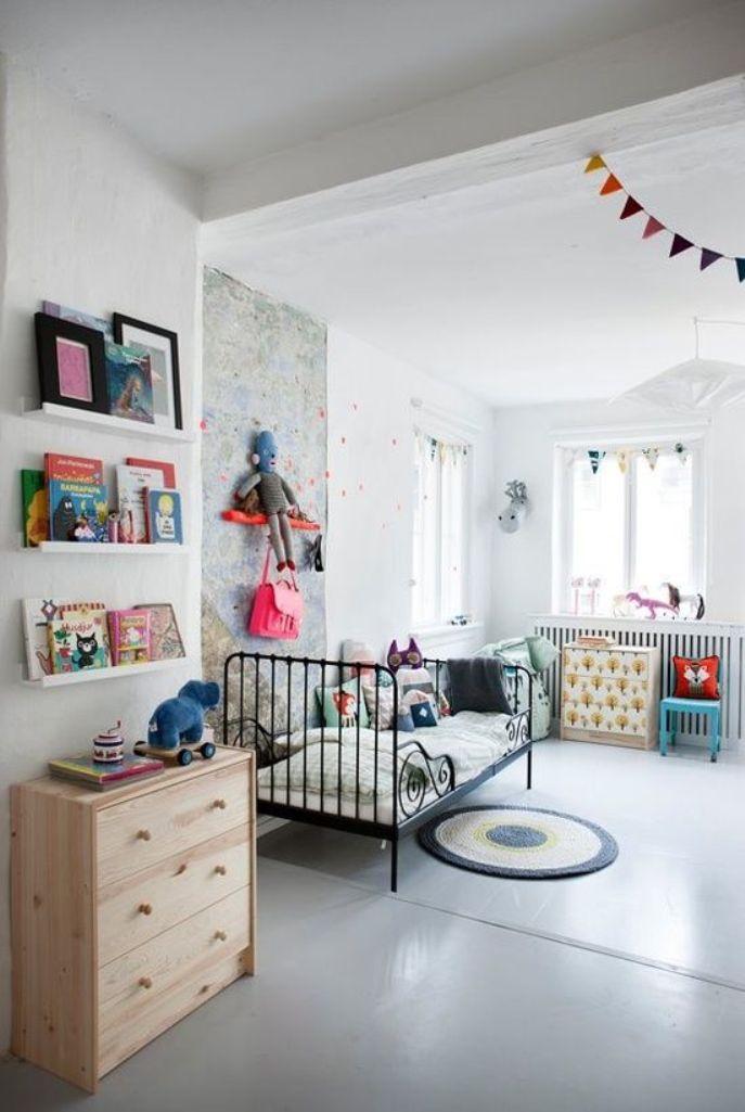 15 captivating scandinavian kid s bedroom ideas rilane for Estanteria forja ikea