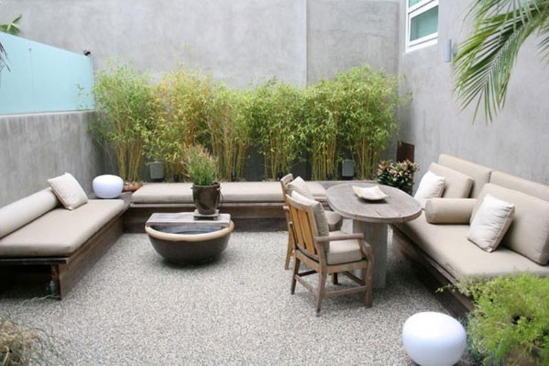 beautiful contemporary backyard patio
