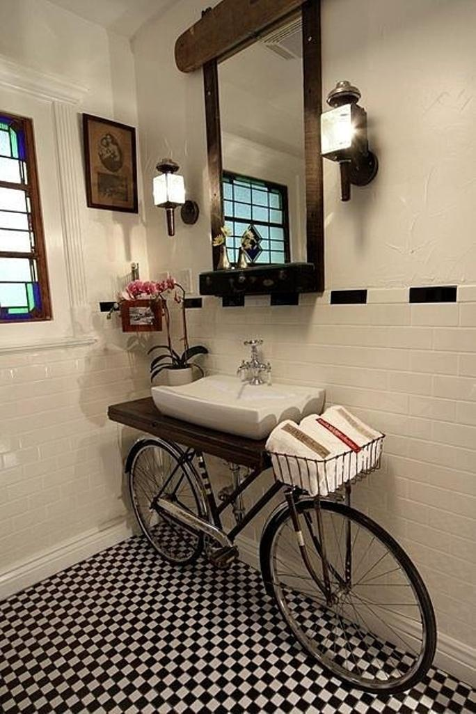 15 cool industrial bathroom design ideas rilane for Industrial bathroom ideas