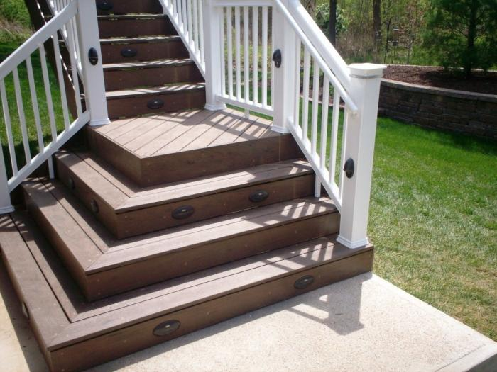 High Quality Deck Steps With Flared Design