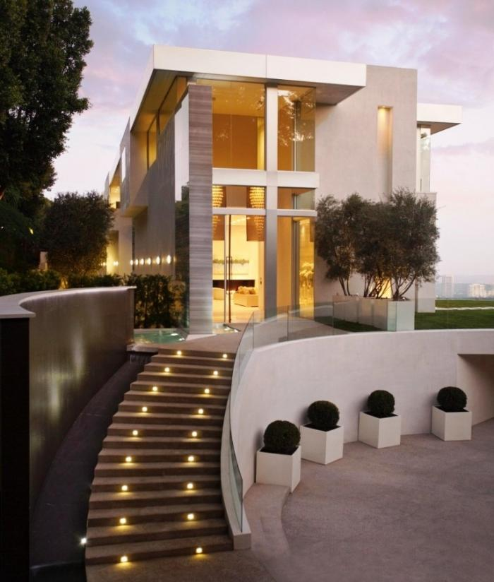 Beau Exterior Design With Modern Outdoor Staircase And Modern Lighting Design  Ideas