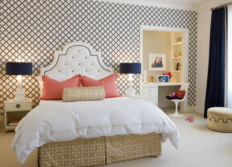 Fancy Bedroom With Geometric Wallpaper