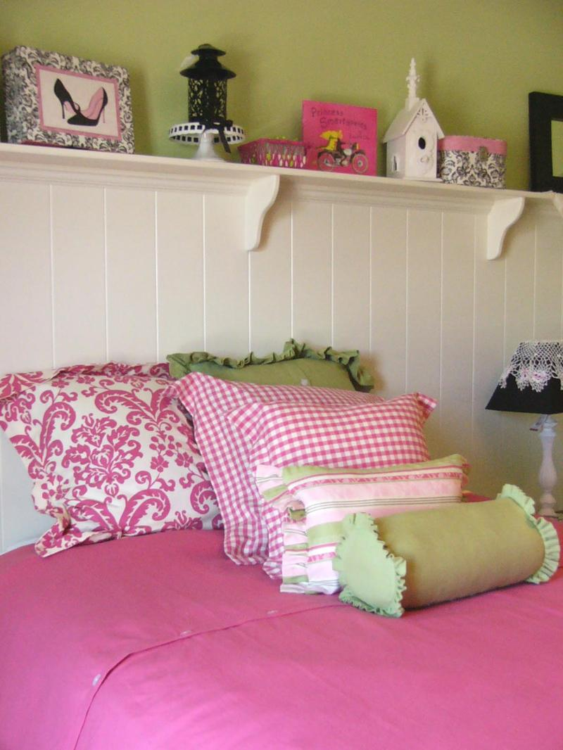 Bedroom wall painting ideas in pink color - Fancy Green And Pink Bedroom
