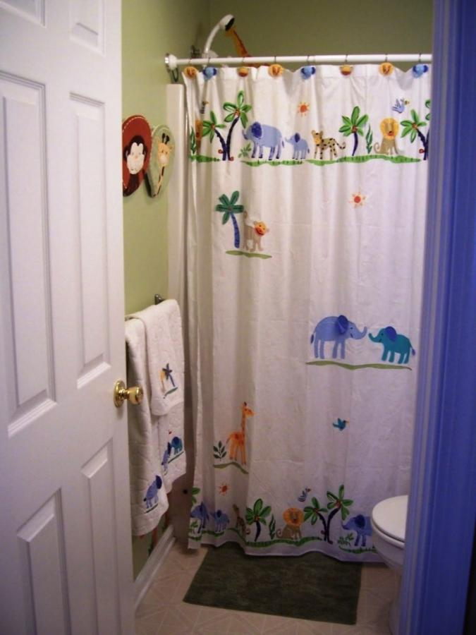 15 Wonderful Themed Shower Curtains For Kids Bathroom