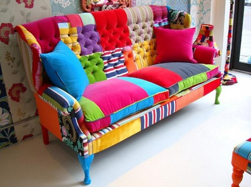 perk up the living room with 15 colorful sofa ideas rilane. Black Bedroom Furniture Sets. Home Design Ideas