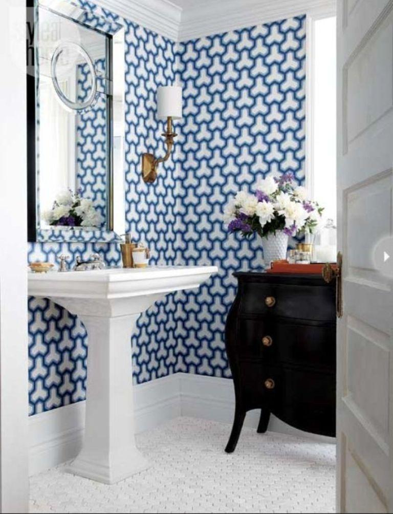 15 Visually Superb Bathrooms with Geometric Wallpaper - Rilane