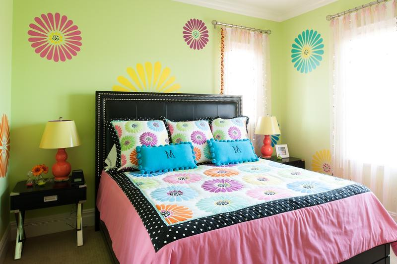 Stylish Green And Pink Bedroom