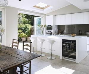 15 Incredibly Airy Kitchen Designs with Skylights