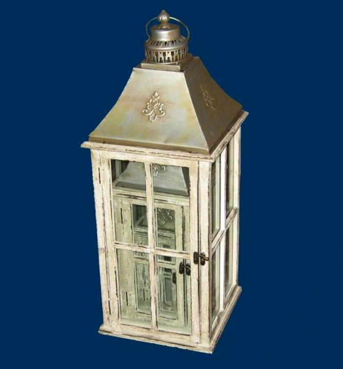 15 awesome and decorative outdoor lanterns rilane for Wooden garden lanterns