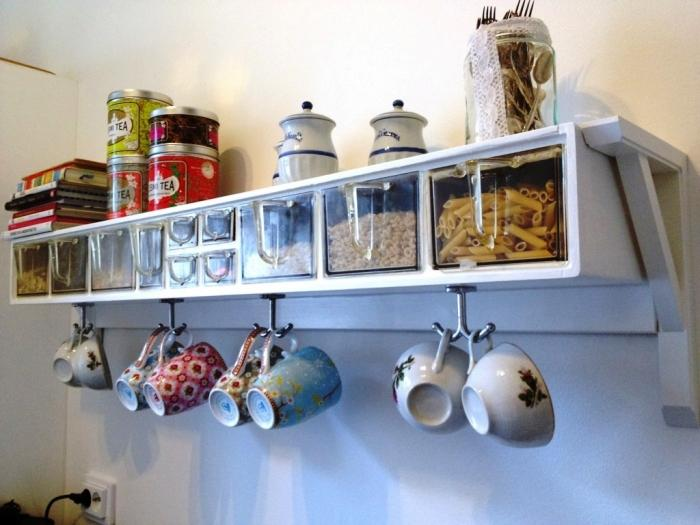 10 Charming and Fun Kitchen Wall Hooks