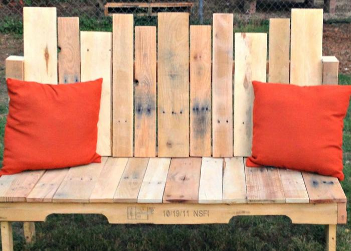 77 diy bench ideas storage pallet garden cushion rilane so check out the below list of super creative and interesting diy pallet bench ideas solutioingenieria Image collections