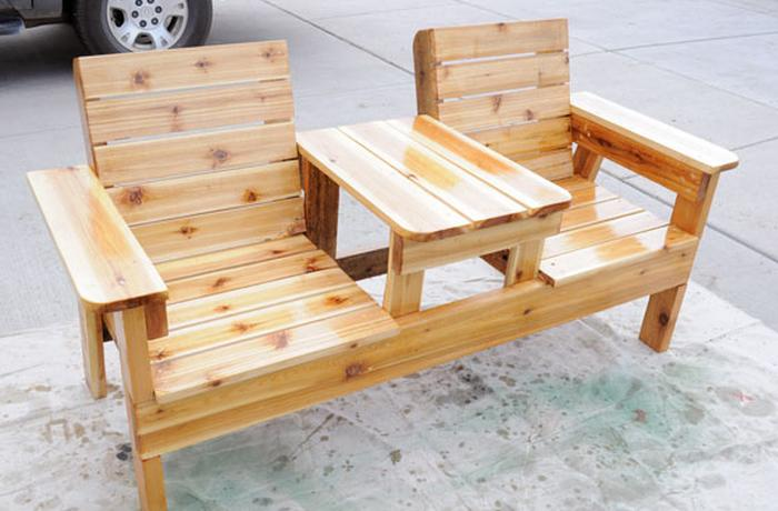 How To Build A Double Chair Bench With Table U2013 Free Plans:This Double Chair  Bench With A Table In The Middle Looks Super Functional And Extra Modern.