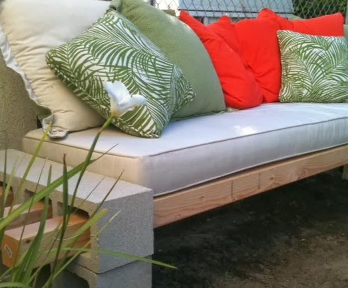 Bench Cushion Ideas Part - 18: 77 DIY Bench Ideas U2013 Storage, Pallet, Garden, Cushion - Rilane