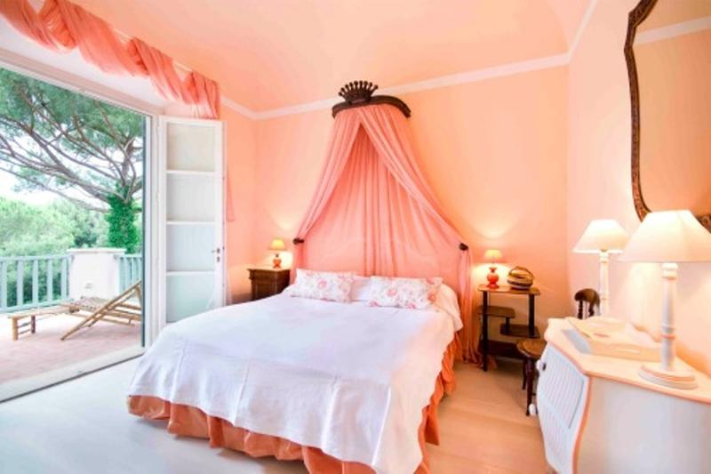 20 Charming Coral Peach Bedroom Ideas to Inspire You Rilane : elegant peach bedroom from rilane.com size 800 x 533 jpeg 45kB