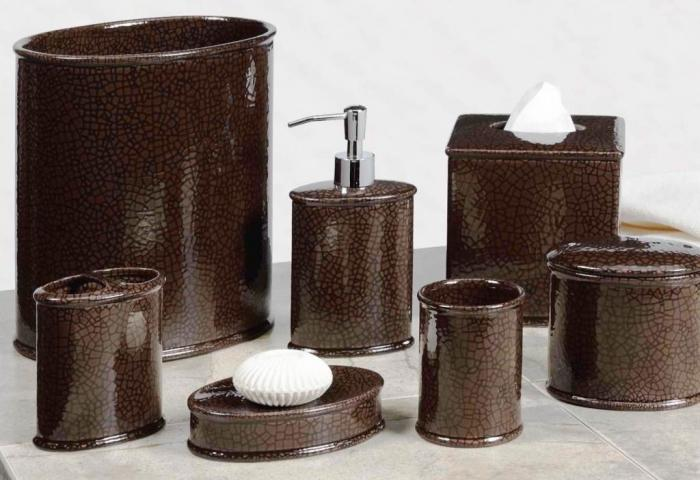 10 creative brown bathroom sets rilane for Brown and white bathroom accessories