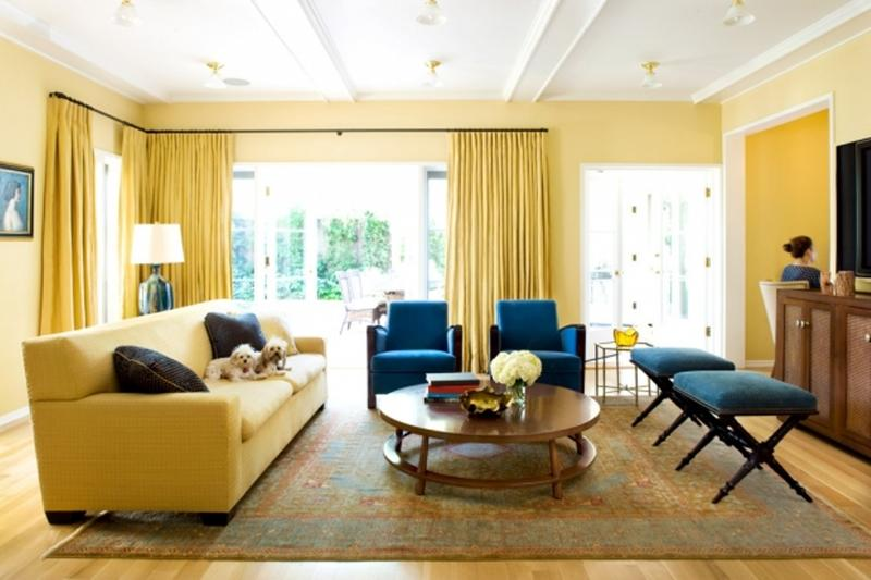 Superbe Cozy Blue And Yellow Living Room