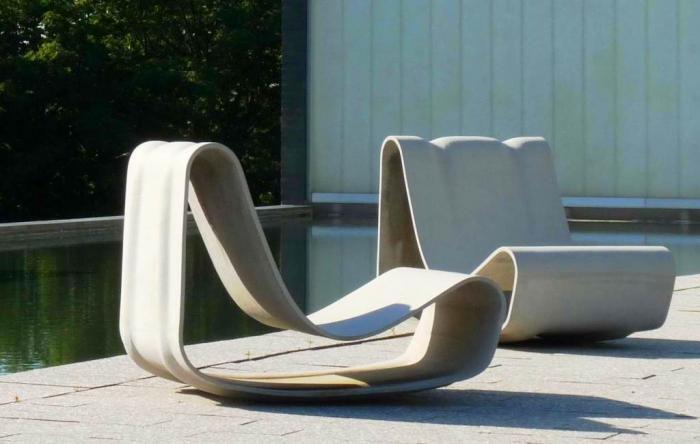 10 Awesome Outdoor Lounging Chairs