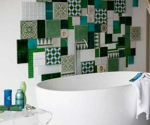 15 Catchy Multicolor Tiled Bathroom Designs