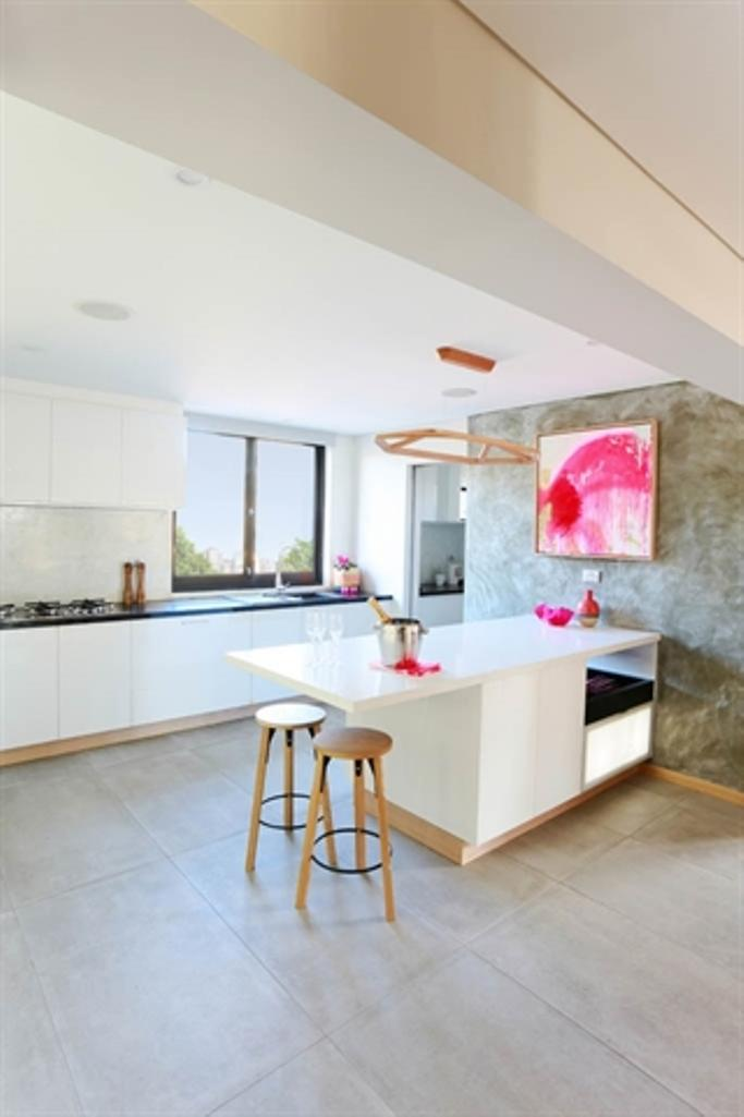 white chic kitchen with concrete wall - Concrete Walls Design