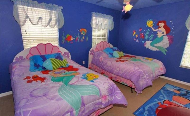 15 dazzling mermaid themed bedroom designs for girls rilane for Girl themed bedroom ideas