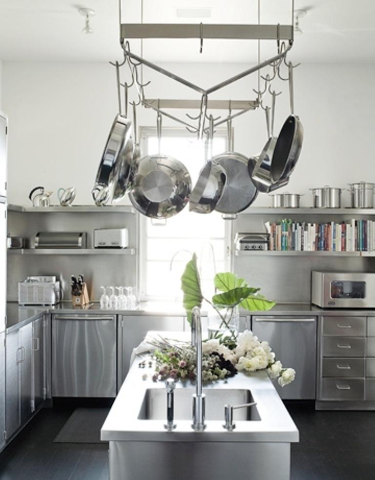 15 Dramatic Kitchen Designs with Stainless Steel Shelves Rilane