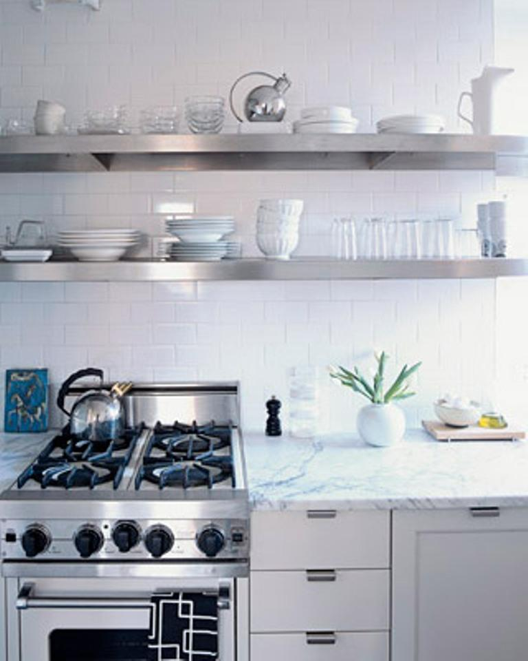 15 dramatic kitchen designs with stainless steel shelves for Kitchen shelf