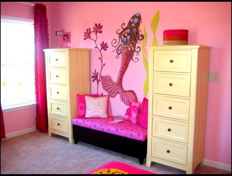 15 Dazzling Mermaid Themed Bedroom Designs for Girls - Rilane