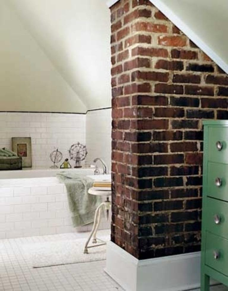 Delicieux Rustic Bathroom With Brick Walls