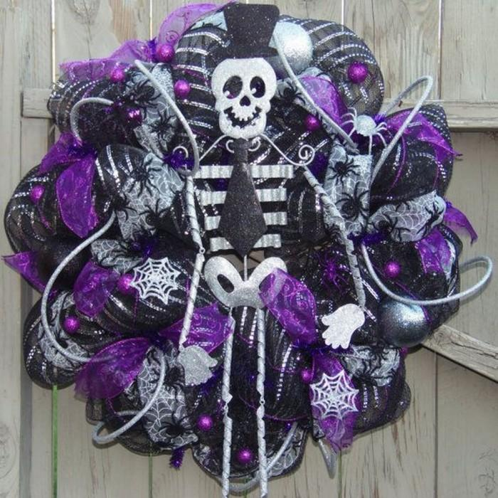 Halloween Wreaths in 10 Spooky and Cool Designs