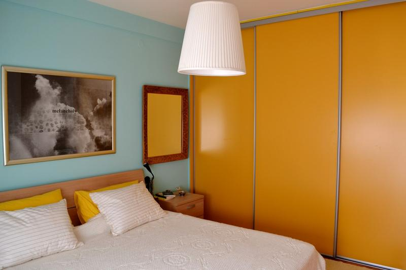 Colors That Go With Yellow Walls 25 stunning bedroom designs with bold color scheme - rilane