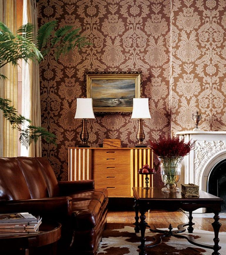30 elegant and chic living rooms with damask wallpaper for Brown wallpaper ideas for living room