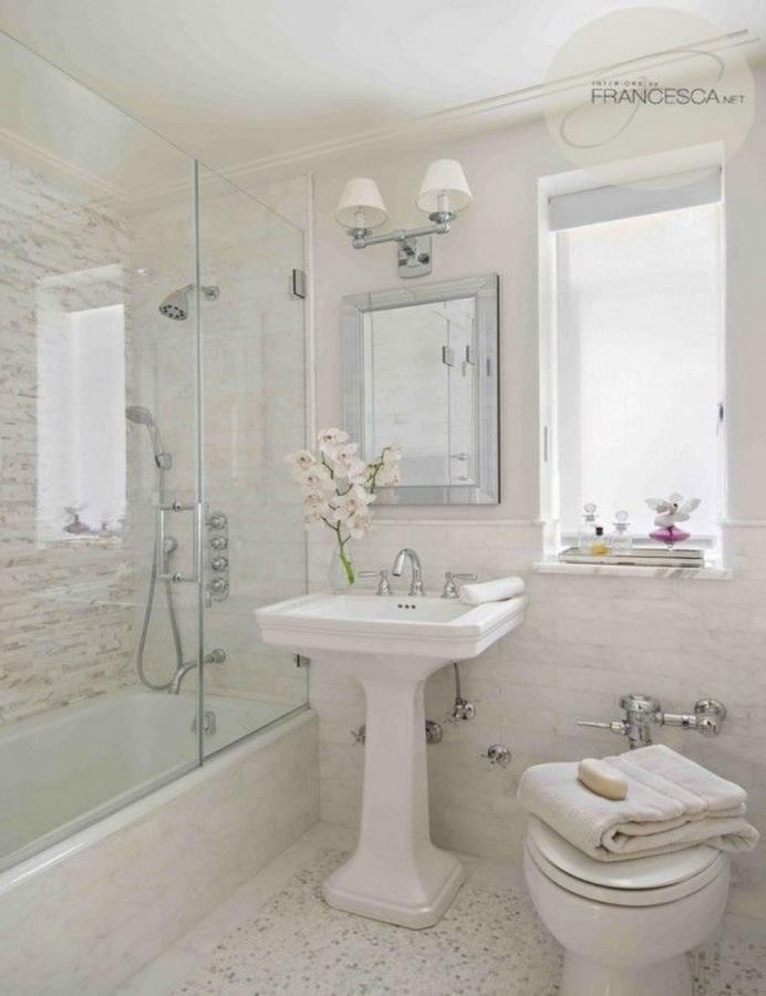 15 stylish and cozy small bathroom designs rilane for Small bathroom design ideas with tub