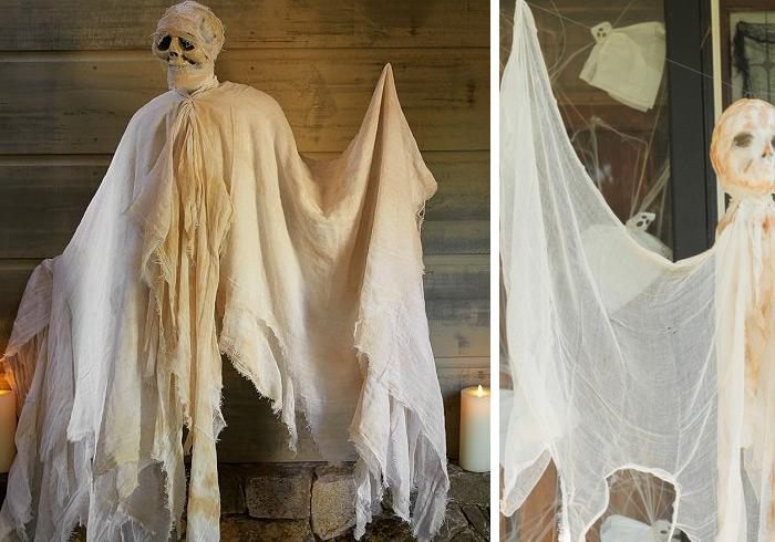 Halloween decorations 100 easy to make halloween decor rilane diy outdoor halloween decorations hanging mummy ghost wouldnt it be cool to hang a super spooky floating mummy at your porch solutioingenieria Images