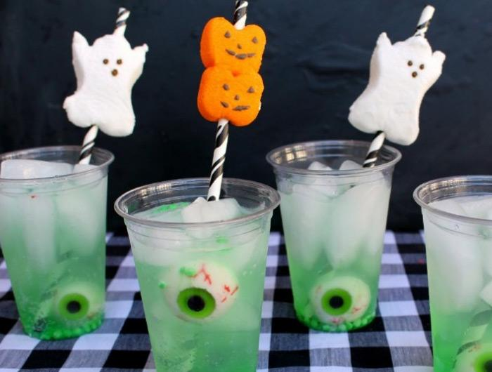halloween decorations 100 easy to make halloween decor rilane - Homemade Halloween Centerpieces