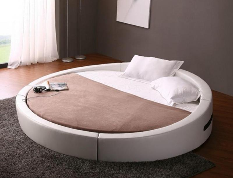 Round bed designs in 10 ultra chic and modern bedrooms for Round bed design images