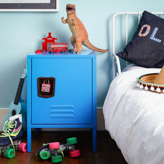 Cute and Lovely Bedside Tables in 10 Kid\'s Bedrooms - Rilane