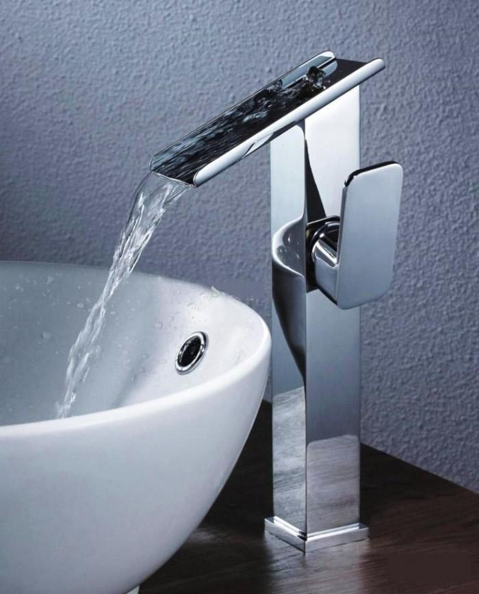 10 Extraordinary Elegant Bathroom Faucet Designs