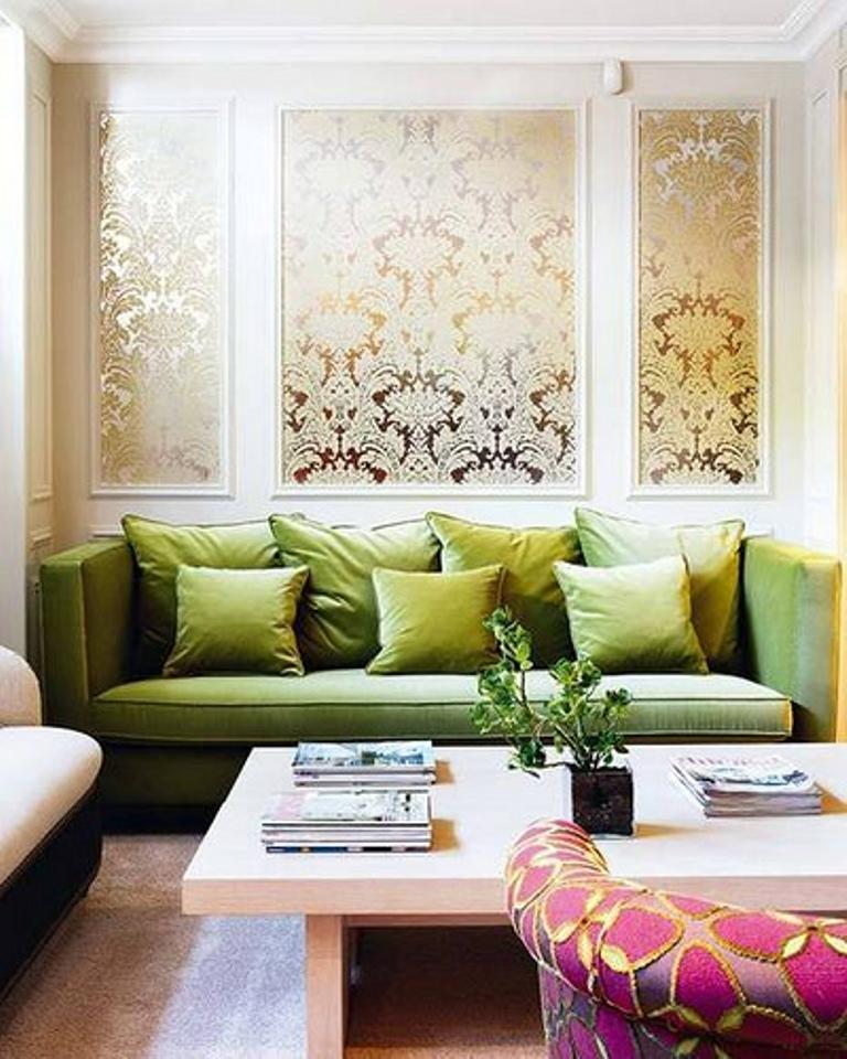 Stylish Chic Living Room With Damask Wallpaper