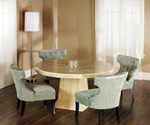 10 Admirable Round Dining Tables for Dining Room