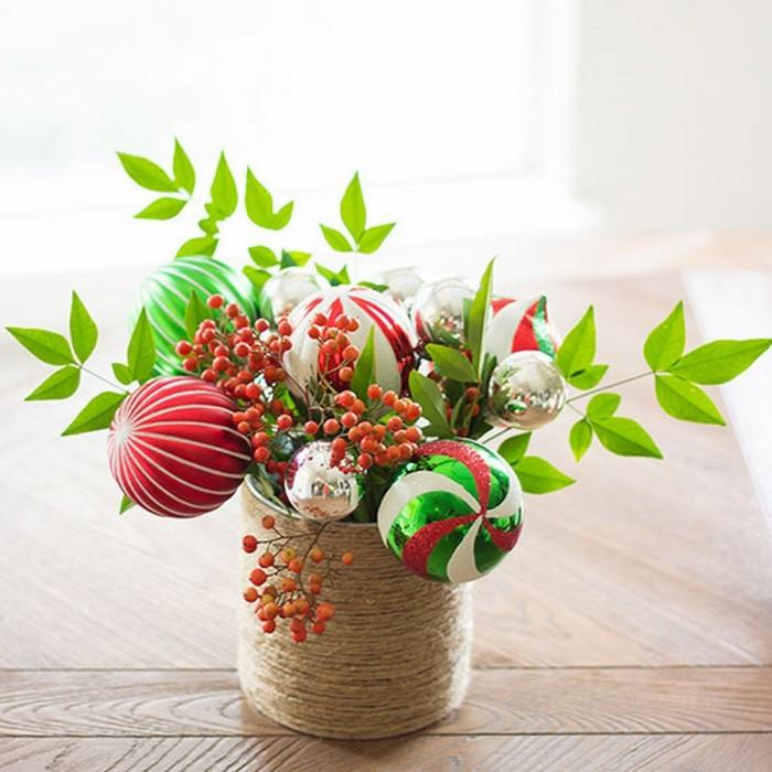 10 classy christmas centerpieces for a very jolly holiday table rilane ornament bouquet christmas table centerpiece solutioingenieria Gallery